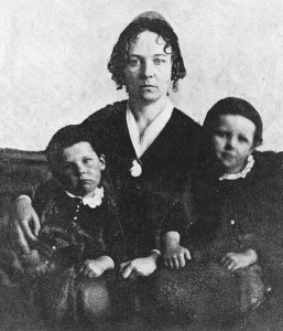Elizabeth Cady Stanton, halftone repr. of 1848 photo with her sons, Daniel and Henry (1848; LOC: LC-USZ62-50821)