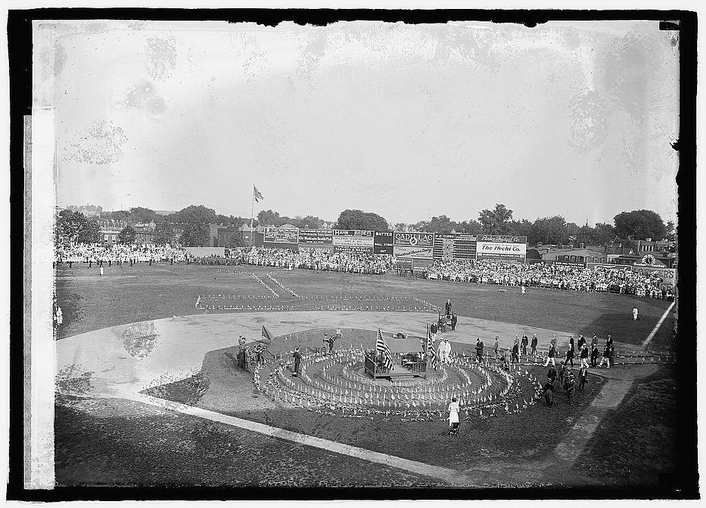 Memorial day ceremony, 1923 (LOC: http://www.loc.gov/item/npc2008004732/)
