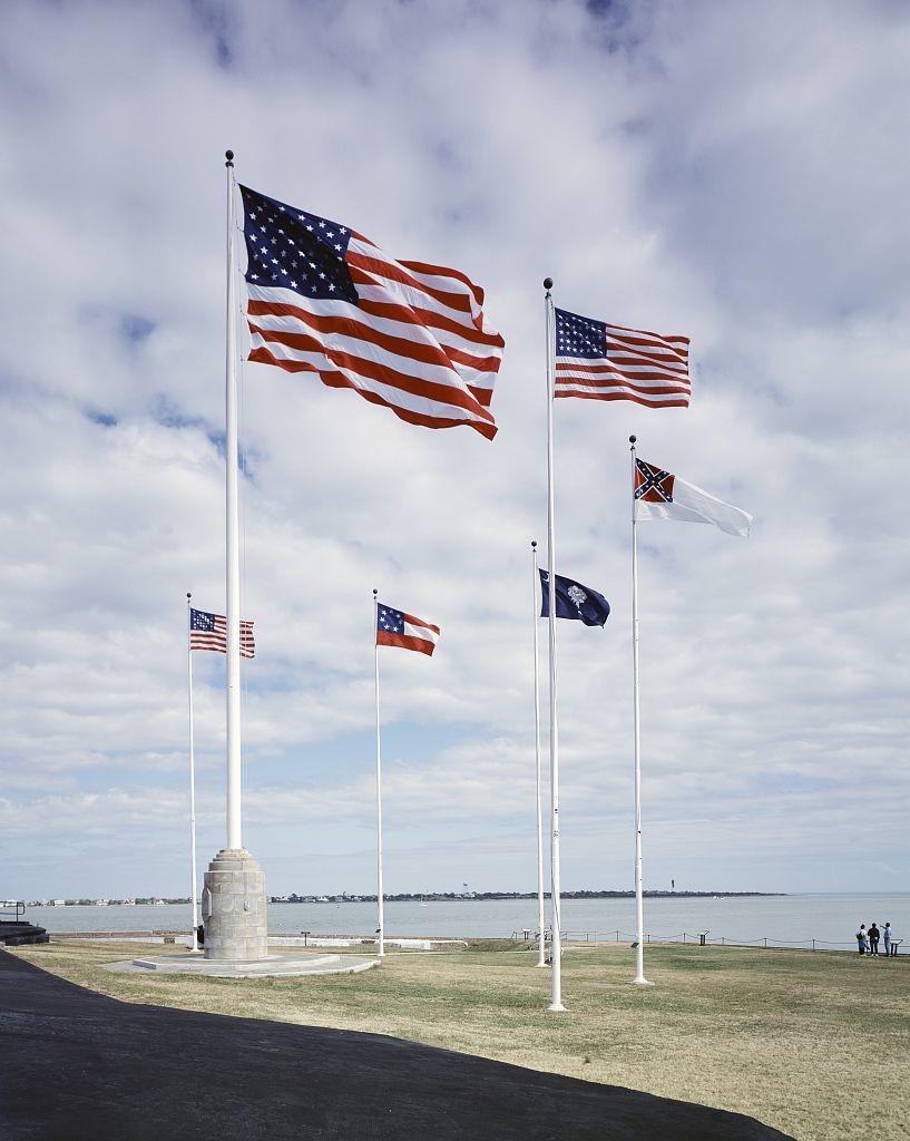 Flags at Fort Sumter in South Carolina (LOC: http://www.loc.gov/item/2011630675/)