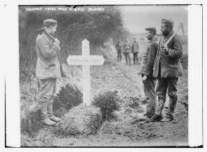 German cross over French soldiers (1914 or 1915; LOC: http://www.loc.gov/item/ggb2005019984/)