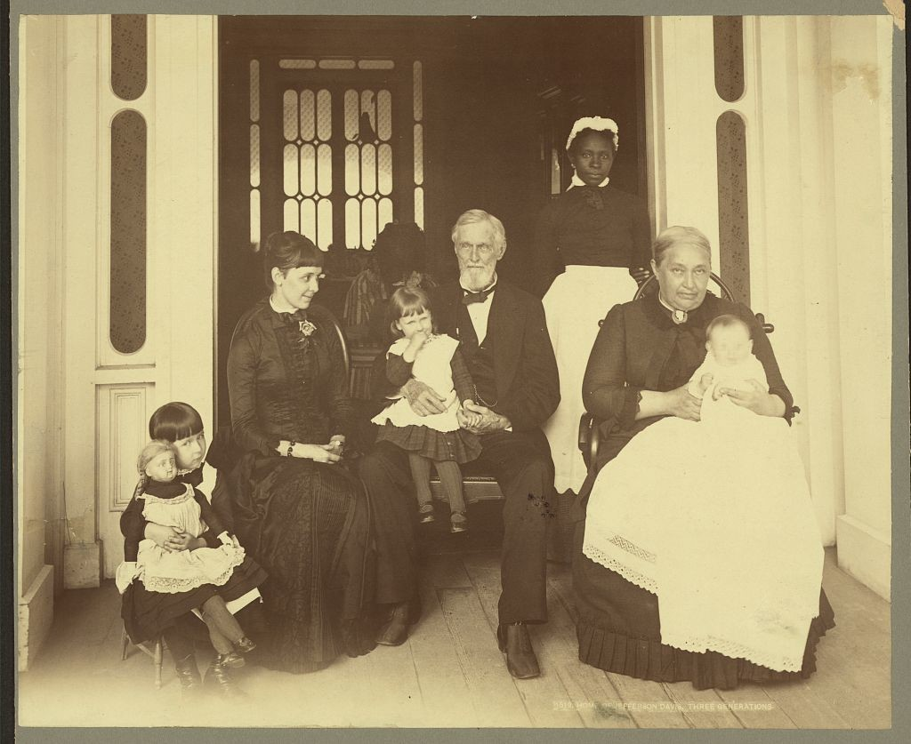 Home of Jefferson Davis, three generations (1884 or 1885; LOC: http://www.loc.gov/item/2009633719/)