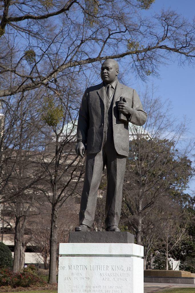 Statue of Dr. Martin Luther King, Jr., in the Kelly Ingram Park, Birmingham, Alabama (by Carol M. Highsmith; LOC: http://www.loc.gov/item/2010636932/)