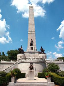 Abraham_Lincoln_Tomb_Springfield_Illiois (https://en.wikipedia.org/wiki/File:Abraham_Lincoln_Tomb_Springfield_Illiois.jpg; by David Jones, 8 July 2005)