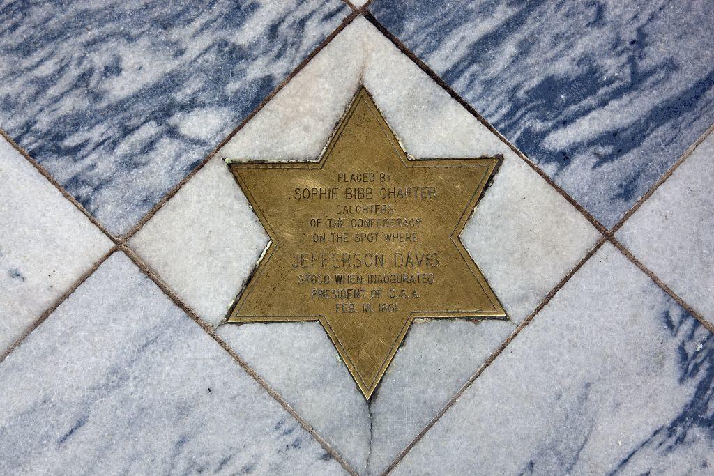 State Capitol, Montgomery, Alabama (by Carol M. Highsmith, 2010 February 22; LOC: https://www.loc.gov/item/2010637479/)