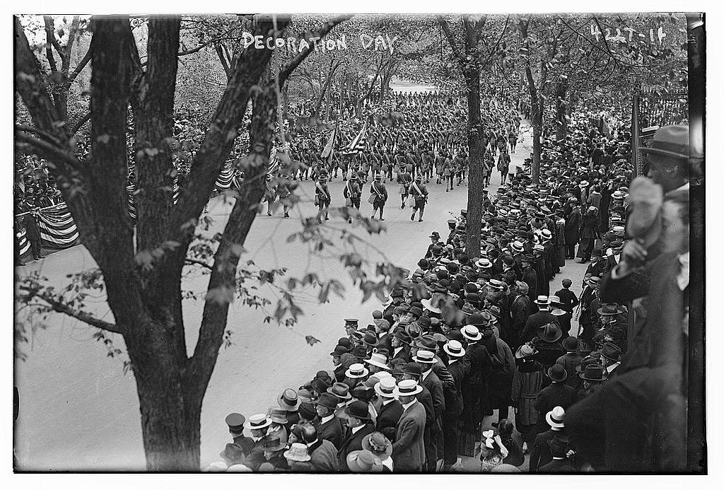 Decoration Day [1917] (1917 (date created or published later by Bain); LOC: https://www.loc.gov/item/ggb2005024772/)