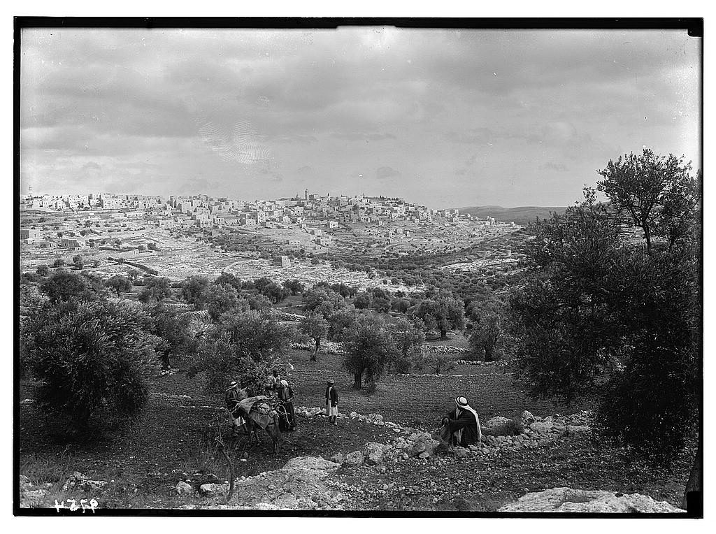 General view of Bethlehem from the S.W. (between 1934 and 1939; LOC: https://www.loc.gov/item/mpc2004002955/PP/)